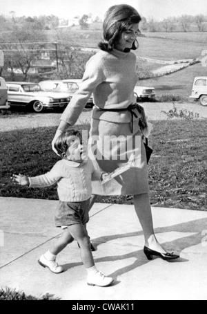 Jacqueline Kennedy, John, 27.10.63. Höflichkeit: CSU Archive / Everett Collection - Stockfoto