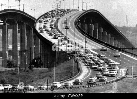 Verkehr auf der Garden State Parkway, New Jersey, ca. 1959. Höflichkeit: CSU Archive/Everett Collection - Stockfoto