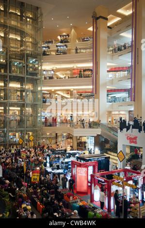 Agora in Mall Taman Anggrek, Jakarta, Indonesien - Stockfoto