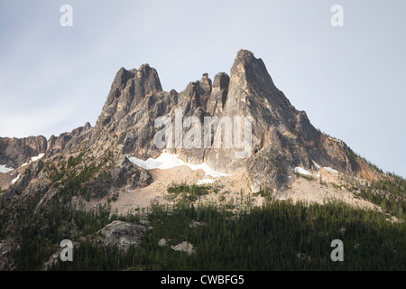 Liberty Bell Mountain aus Washington Pass auf dem North Cascades Highway - Nationalwald Okanogan-Wenatchee, Washington - Stockfoto