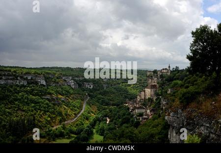 Die historische und mittelalterliche Stadt Rocamadour in der Menge Region von Frankreich Südwesteuropa - Stockfoto