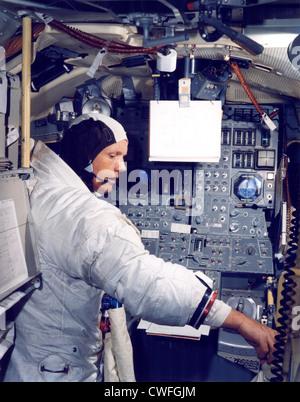 NASA Astronaut Neil A. Armstrong, Kommandant der Apollo 11 Mondlandung Mission Praktiken für das historische Ereignis - Stockfoto