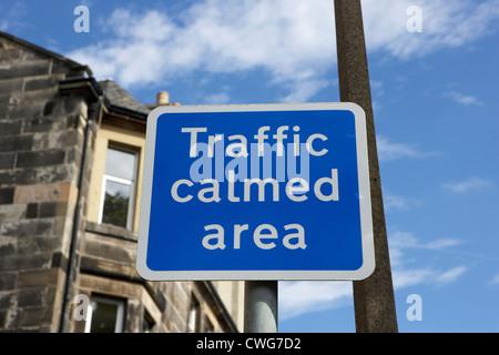 Melden Sie sich für den Verkehr beruhigten Bereich in einem Wohngebiet von Edinburgh, Schottland, Vereinigtes Königreich, - Stockfoto