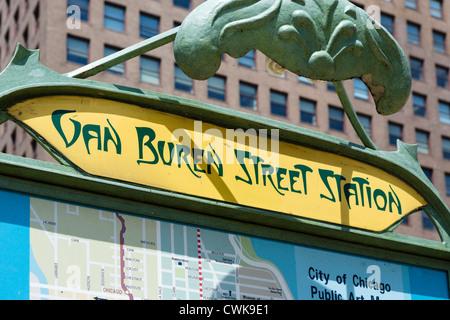 Melden Sie außerhalb Van Buren Street Metra Station, eine Nachbildung von Hector Guimard Jugendstil Paris Metro, - Stockfoto