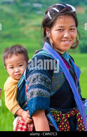 Hmong Frauen in Sapa, Vietnam - Stockfoto