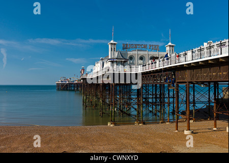 Brighton Pier repariert - Stockfoto