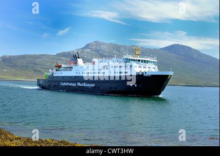 Autofähre MV Hebriden angekommen Lochmaddy auf North Uist, äußeren Hebriden - Stockfoto