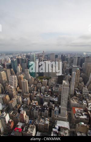Einen allgemeinen Überblick über Manhattan vom Empire State Building Observatory aus gesehen - Stockfoto