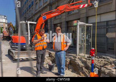 Tiefbaufacharbeiter, Straßburg, Elsass, Frankreich, Europa - Stockfoto