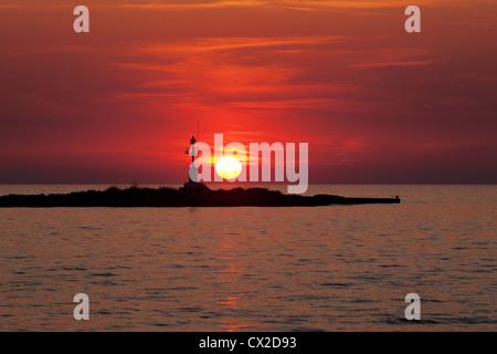 Segelschiffe auf dem meer sonnenuntergang  Sonnenuntergang, Segelschiff Segelboot bei Sonnenuntergang Schiff ...