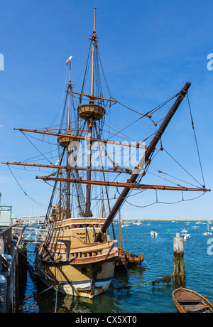 Die Mayflower II, eine Nachbildung des ursprünglichen Mayflower, State Pier, Plymouth, Massachusetts, USA - Stockfoto