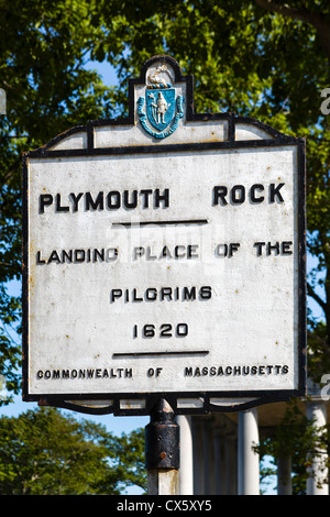 Melden Sie für 'Plymouth Rock', Landeplatz der Pilger im Jahr 1620 Pilgrim Memorial State Park, Plymouth, Massachusetts, - Stockfoto