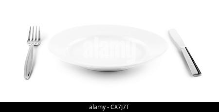 weißen Teller, Messer und Gabel Besteck isoliert mit Beschneidungspfade enthalten - Stockfoto