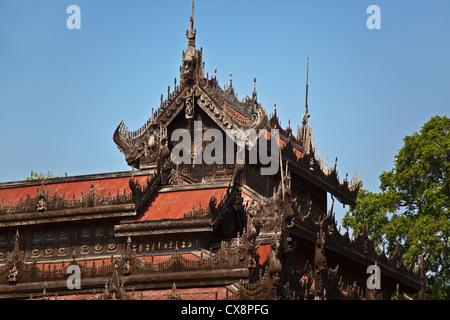 myanmar mandalay das shwenandaw kyaung goldene pagode heiligtum stockfoto bild 78709917 alamy. Black Bedroom Furniture Sets. Home Design Ideas