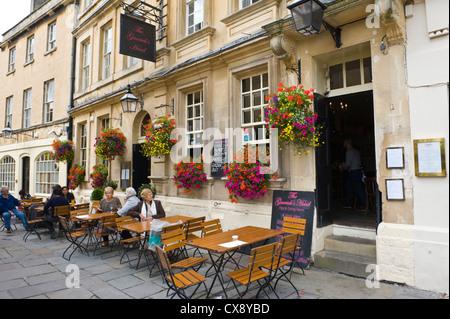Außenseite des The Garrick Head Pub in Bad Somerset England UK - Stockfoto