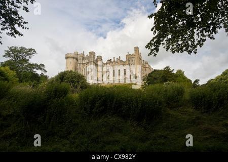 Arundel Castle in West Sussex wurde am Ende des 11. Jahrhunderts erbaut und ist der Sitz der Herzöge von Norfolk - Stockfoto