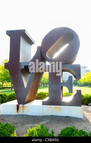 USA Indiana Indianapolis IN Indianapolis Museum of Art - die ursprüngliche Liebe Skulptur von Robert Indiana - Stockfoto
