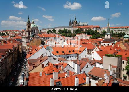 St.-Veits-Dom und St.-Nikolaus-Kirche, Prag, Tschechische Republik, Europa