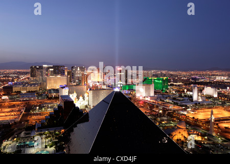 Erhöhten Blick auf Casinos am Strip, Las Vegas, Nevada, Vereinigte Staaten von Amerika, Nordamerika - Stockfoto