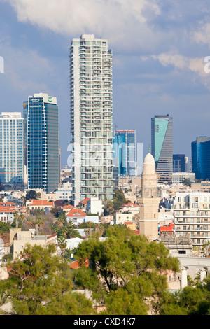 Innenstadt von Gebäuden gesehen von HaPisgah Gärten (The Summit Garden), Jaffa, Tel Aviv, Israel, Nahost - Stockfoto