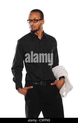 Porträt des afroamerikanischen Jungunternehmer hält Mantel isoliert auf weißem Hintergrund - Stockfoto