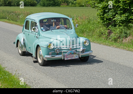 renault 4cv stockfoto bild 86721041 alamy. Black Bedroom Furniture Sets. Home Design Ideas
