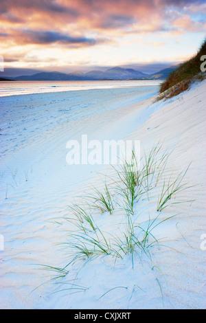 Wellen im Strandsand, Traigh Rosamal, Isle of Harris, äußeren Hebriden, Schottland