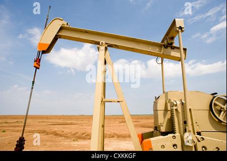 Eine Ölpumpe oder Bohrschwengels in den Vereinigten Staaten von Amerika. Anlagen für Öl - Stockfoto
