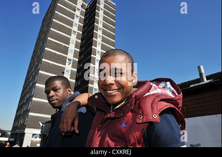 Junge Arbeitslose Jugendliche Leeds UK - Stockfoto