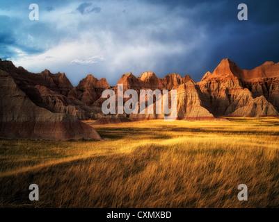 Rasen-Wiese und bunten Steinen. Badlands Nationalpark, South Dakota. - Stockfoto