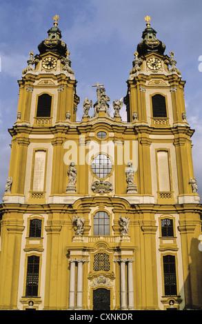 Architektonisches Detail der Benediktinerabtei aus dem 18. Jahrhundert in Melk, Österreich - Stockfoto