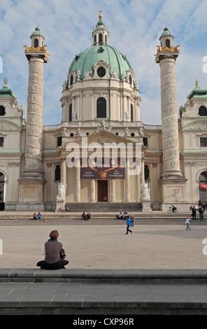 Die erstaunliche barocke Karlskirche Karlsplatz, zentrale Wien. - Stockfoto
