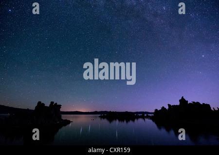 Sternenhimmel bei Nacht, mono Lake, Kalifornien, usa - Stockfoto