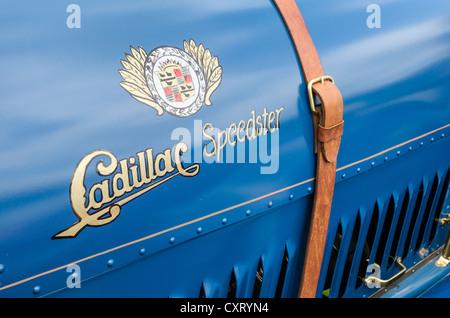 """Handbemalte Logo und Schriftzug von dem US-amerikanischen Automobilhersteller Cadillac, Festival """"Oldtimer meets - Stockfoto"""