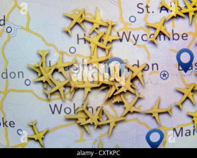 Realtime Flugzeug Radar Lage verstopft viele Flugzeuge im Luftraum rund um Heathrow Flughafen wie gezeigt auf eine - Stockfoto