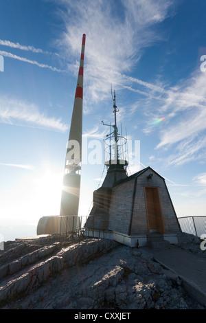 Meteorologische Station und Radio Antenne auf dem Gipfel des Santis Berg, Appenzell Outer Rhodes, Schweiz, Europa - Stockfoto