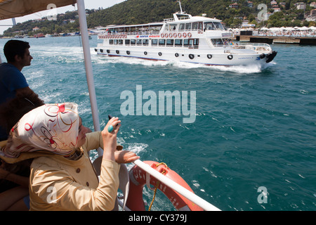 Fähre auf dem Bosporus, istanbul - Stockfoto