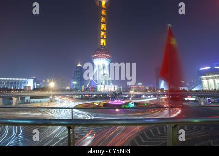 orientalische Birne Turm in Nacht, shanghai china - Stockfoto