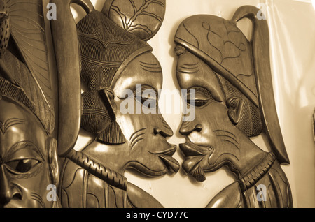 Afrikanische Statuen, küssen - Stockfoto