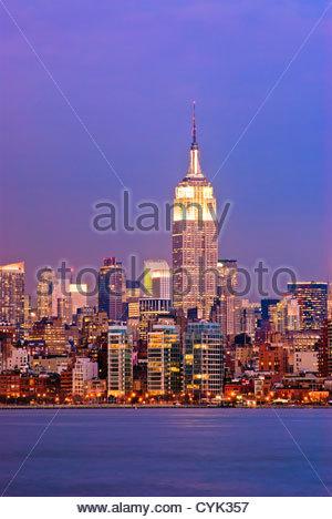 New York City Manhattan vom Empire State Building den Hudson River. - Stockfoto
