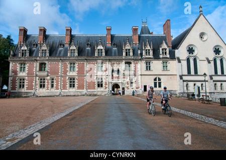 Die königlichen Château de Blois an der Loire in Frankreich, mitten im Zentrum der Stadt und die Heimat einiger - Stockfoto