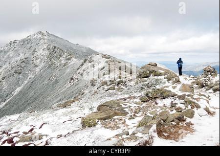 Einsamer Wanderer auf den Franconia Ridge Trail, New Hampshire, USA. - Stockfoto