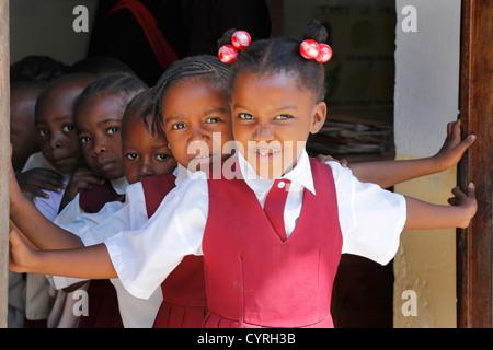 Kinder in einem Kindergarten, Stone Town von Sansibar, Tansania - Stockfoto