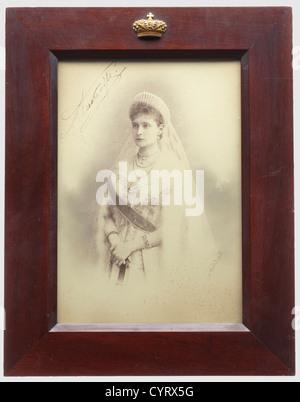 Portraitfoto von Zarin Alexandra Feodorowna, mit eigenhändiger Unterschrift in Tinte Russland, Ca. 1900. Den rechten - Stockfoto
