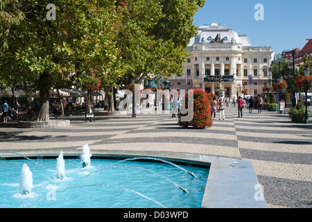 hviezdoslav platz altstadt von bratislava bratislava region slowakei stockfoto bild. Black Bedroom Furniture Sets. Home Design Ideas