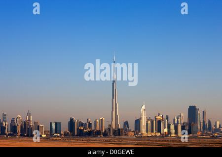 Dubai bekannt geworden als die Spielwiese für Architekten und Skyline-Blick bestätigen wird. Aufnahme Mai 2010 - Stockfoto