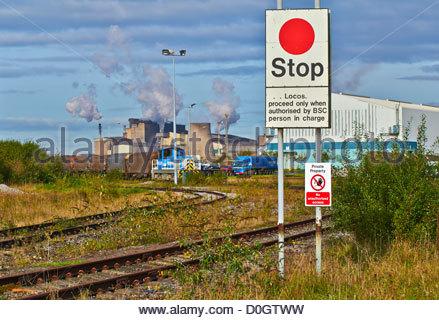 Stop-Warnschild von Margam knuckle Marshalling Yard in Tata Margam Port Talbot Stahlwerken