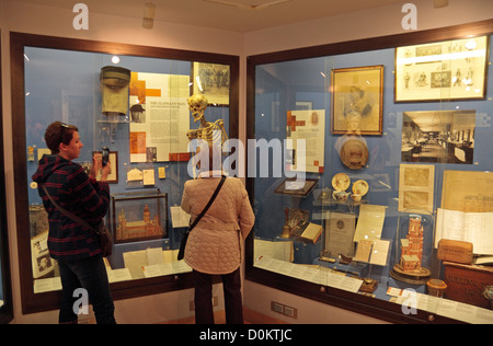 Museum zeigt das Skelett des Joseph Merrick, Elephant Man, The Royal London Hospital Museum, Whitechapel, London, - Stockfoto