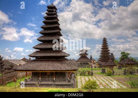 Der Muttertempel Besakih oder Pura Besakih, größte und heiligste hinduistische Tempel auf Bali, Indonesien - Stockfoto