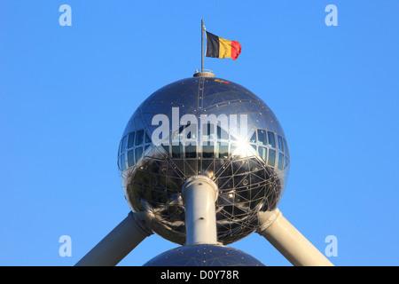 Restaurant mit Panoramablick an der Spitze des Atomiums in Brüssel, Belgien Stockfoto